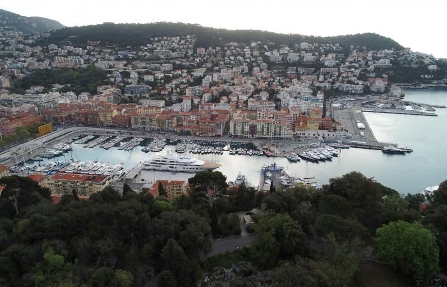 Le port de Nice vu du ciel.