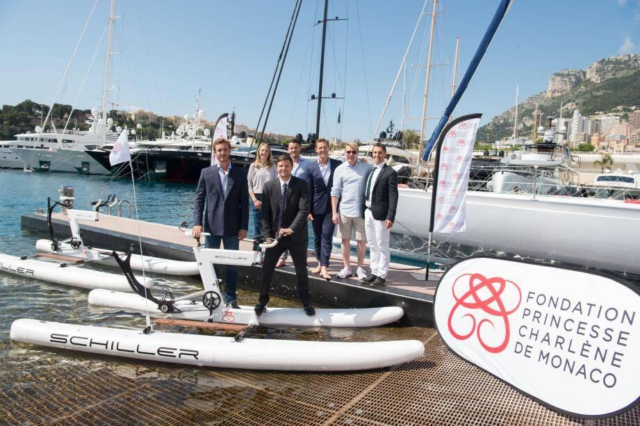 Autour de Pierre Casiraghi et Gareth Wittstock, ce jeudi au Yacht-club pour le tirage au sort des équipes, étaient présents: Paula Radcliff, Federico Vella, Rudi Kiel, Mika Häkkinen et Olivier Jenot.