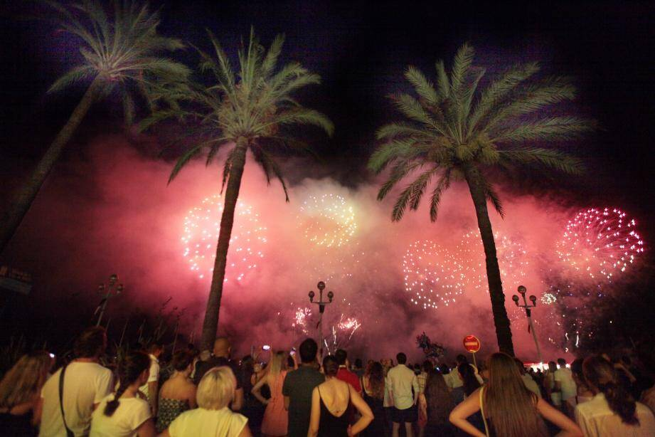 Le 14 juillet 2016, 86 anges ont regardé le ciel de Nice pour la dernière fois. Sans les oublier, il faut maintenant porter ses yeux vers l'avenir et vers la fête... Ici, lors d'une Prom party en 2015. (Archives photo S.B.)