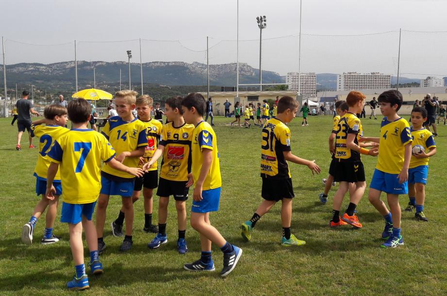 Toulon fair-play après la domination des Jaune et Noir de Sanary.