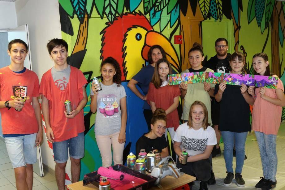 Les élèves ont imaginé un futur plein de couleurs.