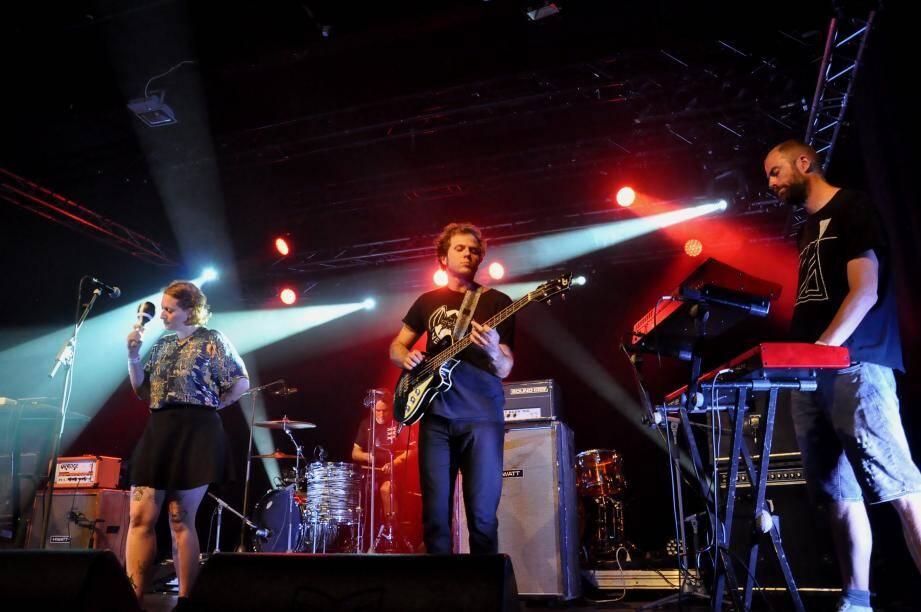 Les Bordelais J.C. Satàn (à gauche), sacrés meilleur groupe de rock en France en 2015 par les Inrocks, ont fait l'unanimité.