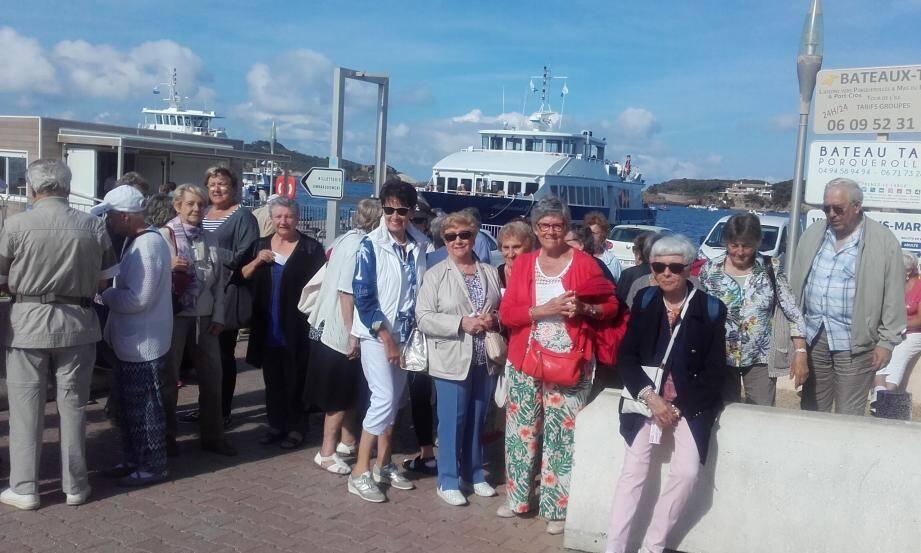 Les seniors du CCAS à l'embarquement.