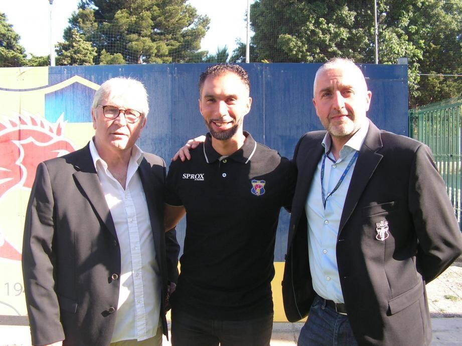 Youssef Sif (au centre) a la confiance de Guillaume Deville (à droite) et Marc Chiappelo (à gauche), les deux présidents de l'association.