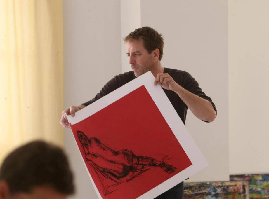 Nicolas Lecoq, prof de dessin, anime le cours.