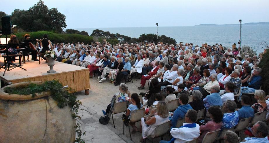 Des concerts exceptionnels en plein air, sur l'esplanade de l'hôtel de la mer.  (C.M.)