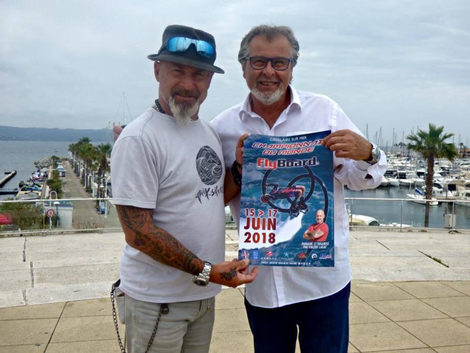 Vincent Lagaf' et le maire de Cavalaire, Philippe Leonelli.