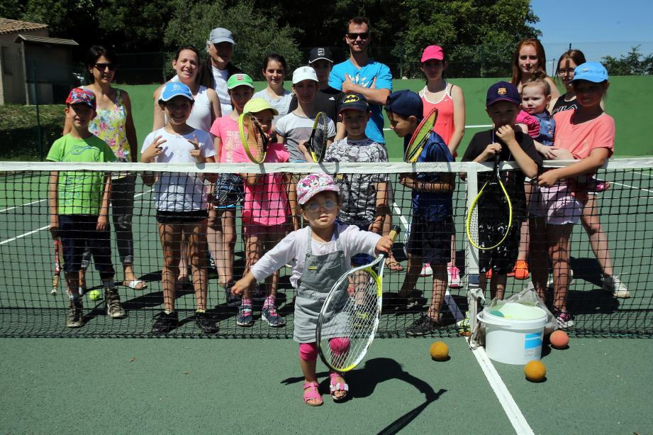 Durant la journée, adhérents et « curieux » se sont succédé sur les courts de tennis pour la journée portes ouvertes.