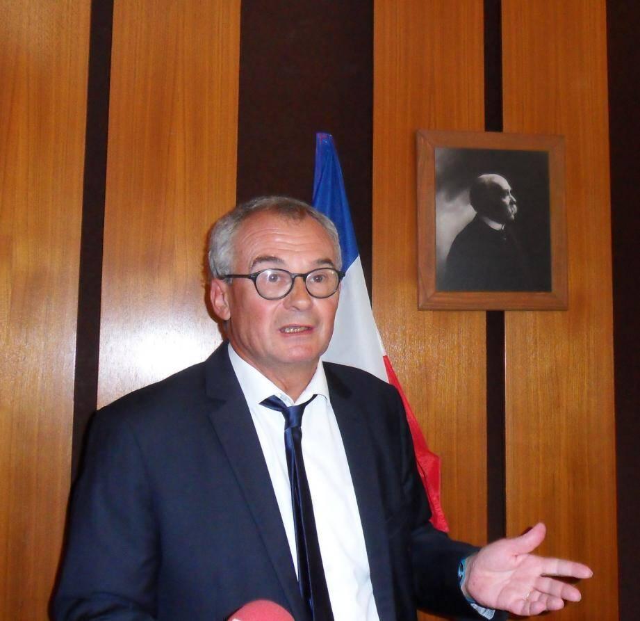En préfecture du Var, dans la salle éponyme, le Préfet du Var a dévoilé l'image de Georges Clemenceau.
