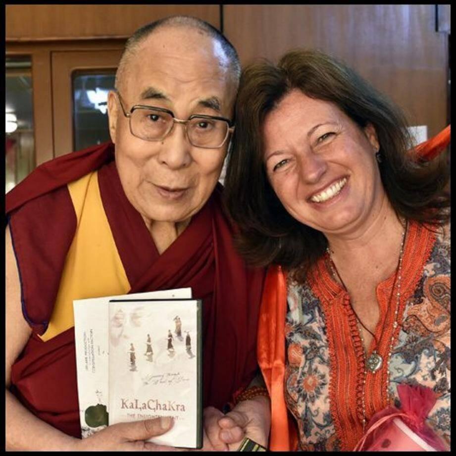 Sa sainteté le Dalaï-Lama et Natalie Fuchs.