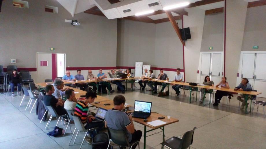 La réunion du POPI a mobilisé notamment les éleveurs locaux.