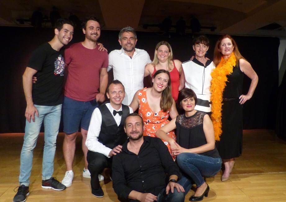 Malgré le trac, les comédiens ont réalisé une belle prestation. On sentait le sourire de soulagement et de satisfaction à la fin du spectacle!