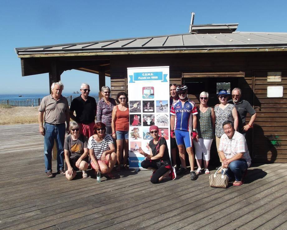 Les organisateurs et quelques-uns des participants, satisfaits de leur matinée.