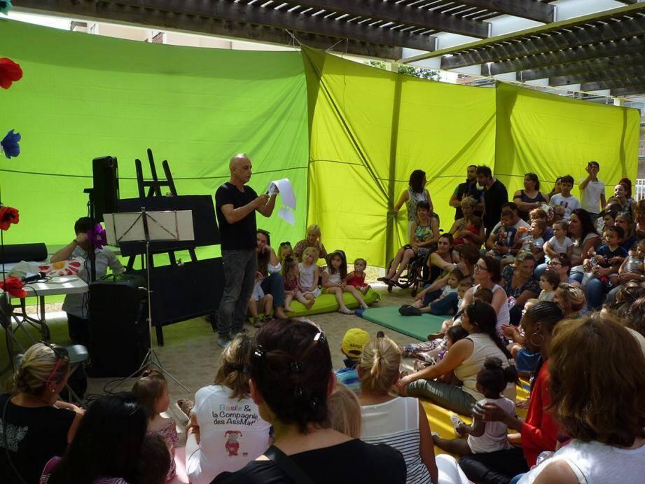 Jean-Michel Zurletti, artiste conteur, a présenté son spectacle musical etcréatif aux parents et enfants venus pour l'occasion.