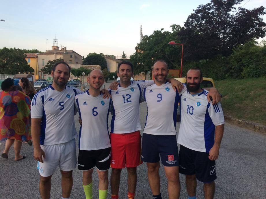 Les anciens du Racing Toulon FC étaient présents à la Celle pour honorer Steve Bolla.