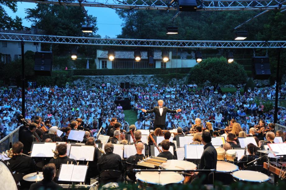 L'OPPA donne plus de vingt concerts gratuits par an dans les différentes communes du Pays d'Aix.