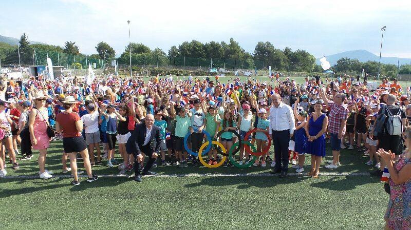 Les écoles primaires de La Gaude et de Saint Jeannet réunies autour du sport.