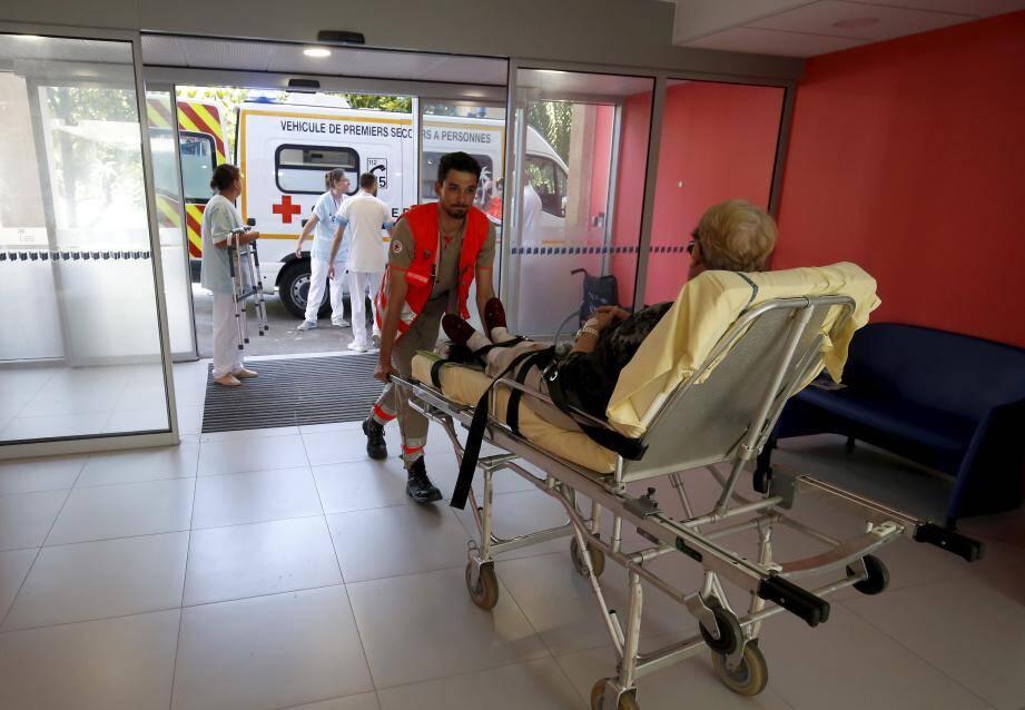 Hier après-midi, les patients du Centre cardio-respiratoire de Gorbio ont été transférés dans leur nouvelle chambre du service SSR de La Palmosa.
