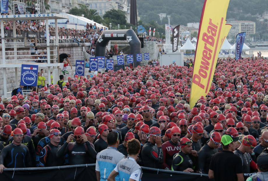 Comme chaque année, les athlètes vont commencer par 3,8 kilomètres de natation.