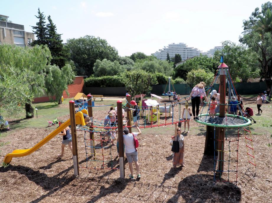 Le jardin d'enfants redonne un nouveau souffle au quartier des Maurettes. Et surtout offre un espace sécurisé où les pitchouns pourront s'amuser.