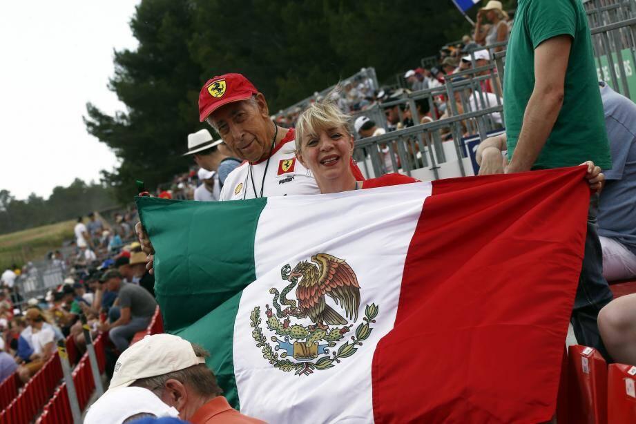 Les Mexicains Sergio et Sonia ne pouvaient pas rater le GP de France.