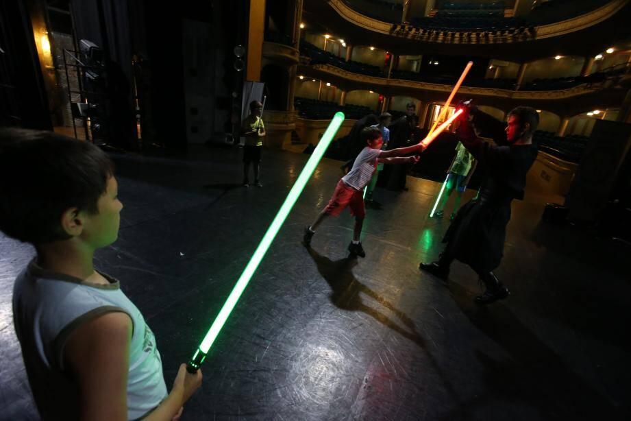Une initiation aux sabres lasers était dispensée... Pour devenir le meilleur jedi.