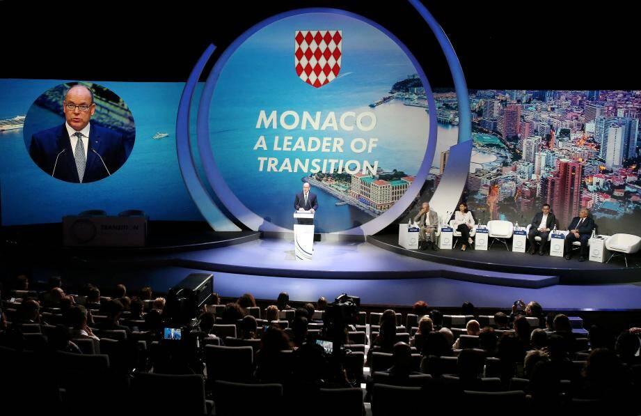 Le prince Albert II, inlassable défenseur de la cause environnementale, a inauguré cette grande première au Grimaldi Forum, hier matin.