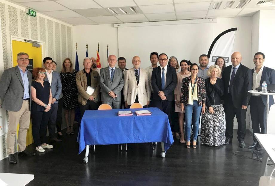 La convention qui a lancé La Fabrique à entreprendre a été ratifiée hier matin, elle rassemble treize partenaires.