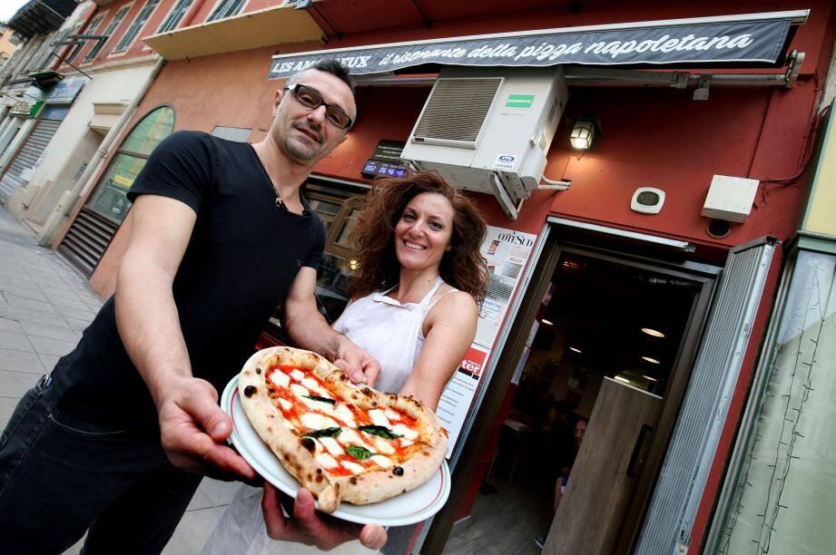 Les Amoureux, pizzeria primée par François-Régis Gaudry, de L'Express, pour la meilleure pizza napolitaine.