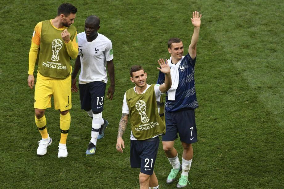 Les Bleus joueront leur 8e samedi à 16h00 contre le 2e du groupe D, qui pourrait sortir du duel entre le Nigeria et l'Argentine.