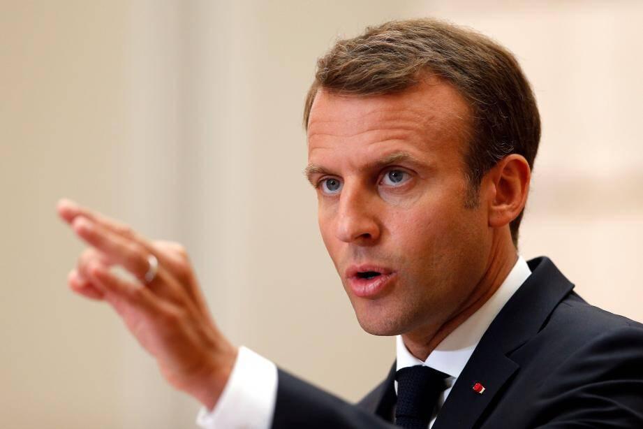Emmanuel Macron lors d'une rencontre avec le Premier ministre espagnol.