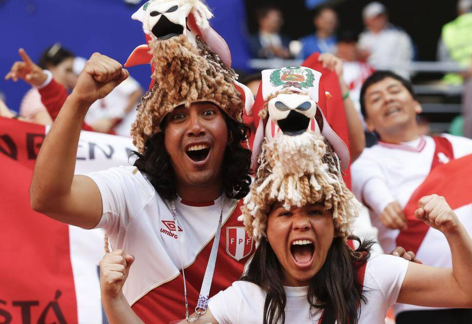 En Russie, le Pérou peut compter sur... 60.000 fans. Ils seront d'ailleurs 20.000 à Ekaterinbourg face aux Bleus.