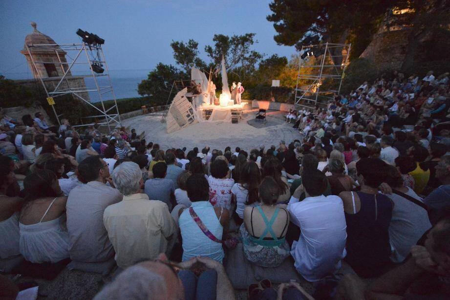 Au lieu de six spectacles, le Fort Antoine proposera sept représentations théâtrales cet été.