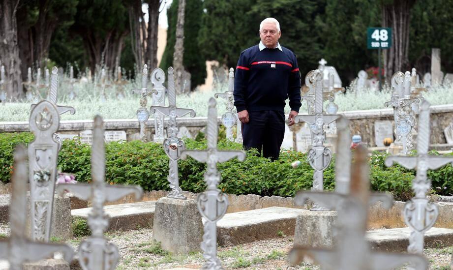Le capitaine des sapeurs-pompiers Alain Bertolo a enquêté sur ces milliers de poilus mobilisés dans les casernes en 14-18 et morts pour la France.