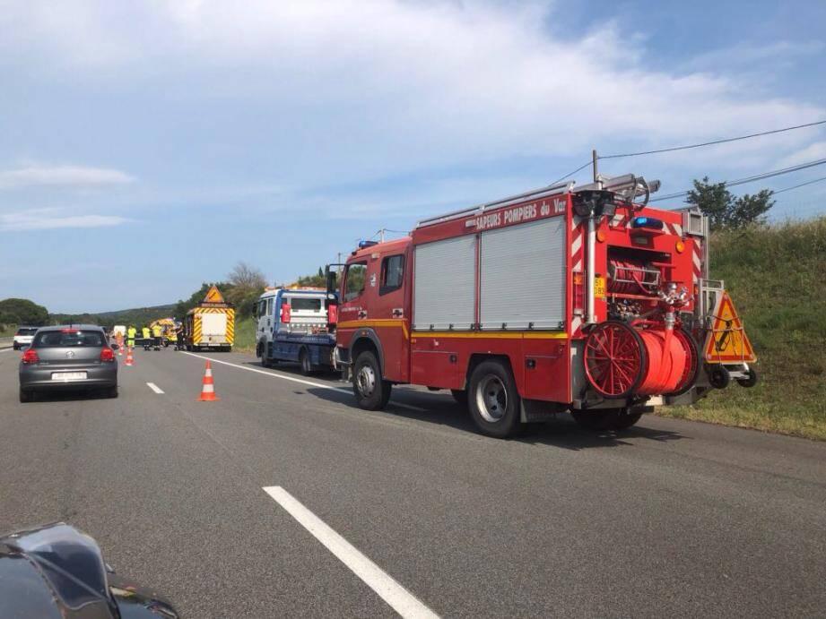 L'accident s'est produit en direction de Nice, à la hauteur de Vidauban.
