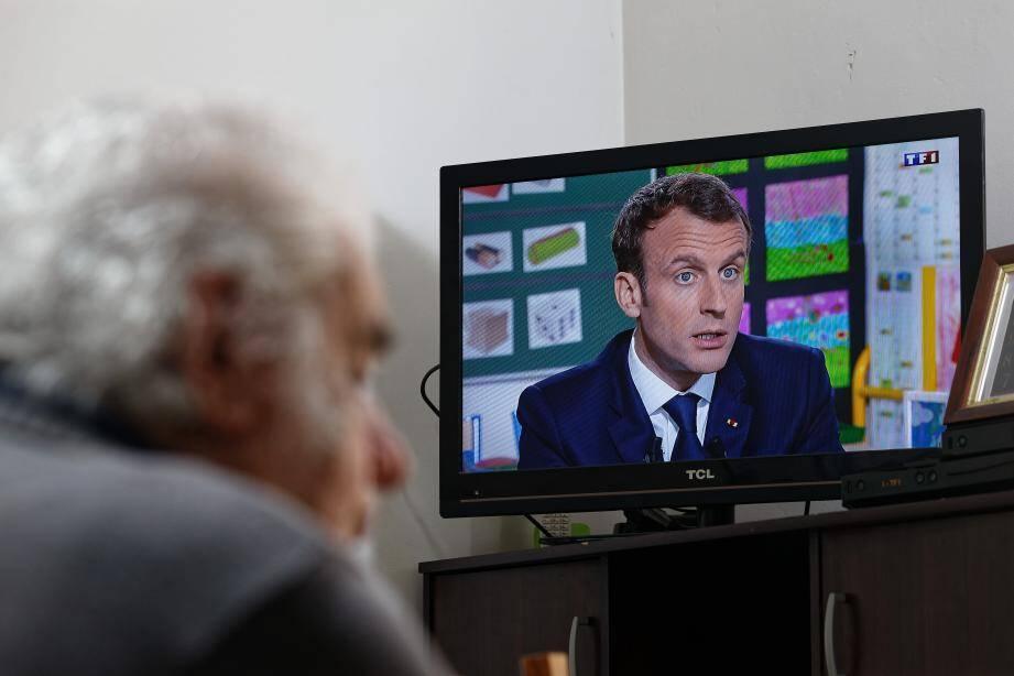 Emmanuel Macron intervient dans le journal de 13hde TF1