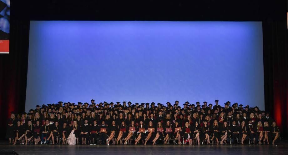 293 élèves de toutes nationalités ont été diplômés devant leurs familles, samedi dernier au Grimaldi Forum.