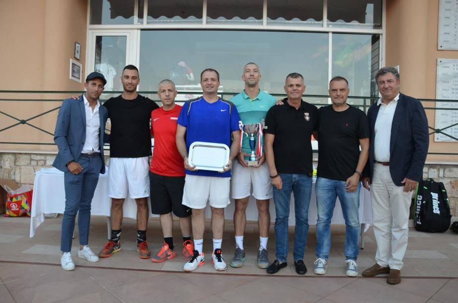 Equipe vainqueur du Challenge tennis messieurs : ASSP Sûreté publique de Monaco.