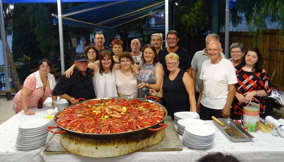 La fameuse paella du Saint-Louis club préparée par les frères Garcia. (DR)