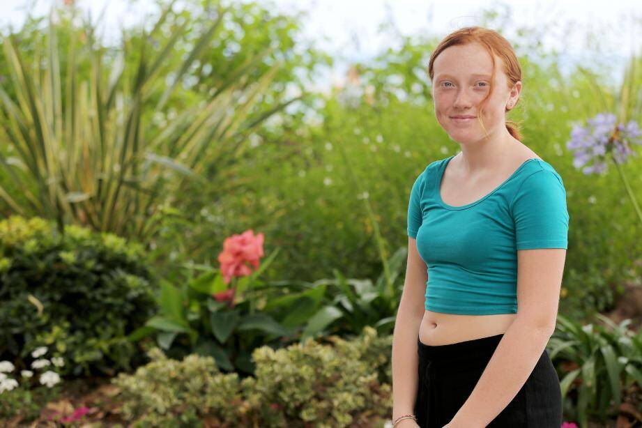 Charlotte, 12 ans, va bûcher tout l'été pour préparer l'examen d'entrée à...  Harvard.