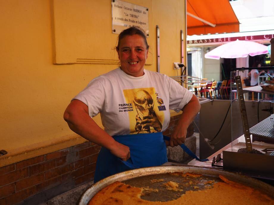 Sylvie Barret a vendu pizzas et panini le soir de la finale, dans une «super ambiance» (Florent Bardos)