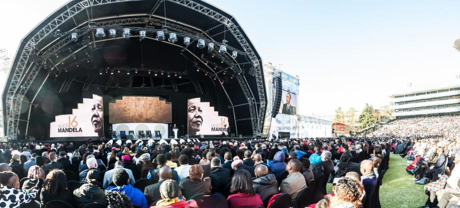 Entre une prise de parole dans les locaux de la fondation et sa présence mardi au Wanderers Stadium de Johannesbourg pendant le discours du président Barack Obama, le déplacement de la princesse Charlène en Afrique du Sud était tourné vers le souvenir de Mandela, disparu il y a bientôt cinq ans.