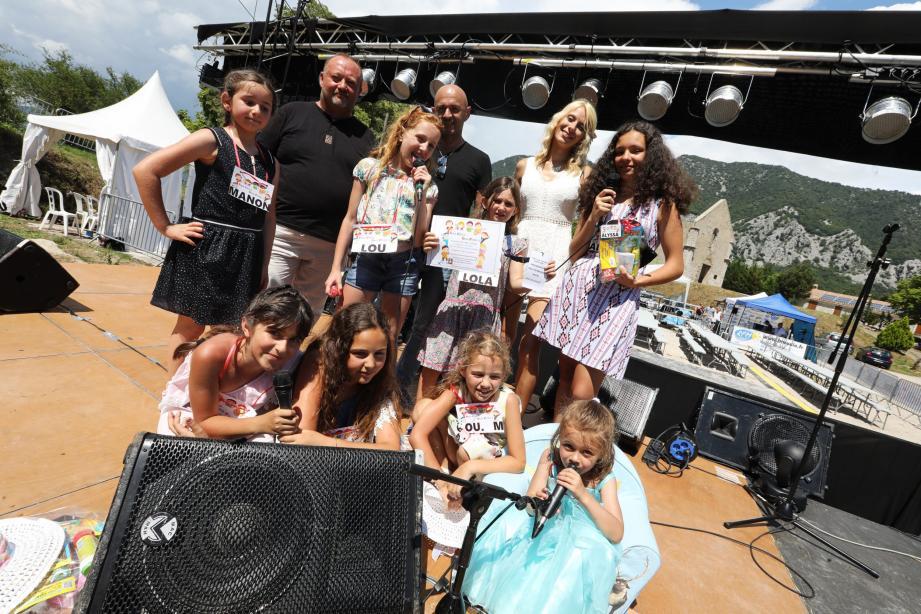 Une vraie scène attendait les enfants du concours organisé par Daily Fashion. Tous sont ressortis gagnants, dont la première qui enregistrera une chanson en studio.