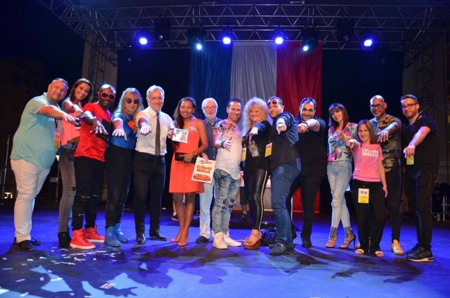 Les membres du Collectif Métissé avec le maire, les élus, et l'équipe du service animations.