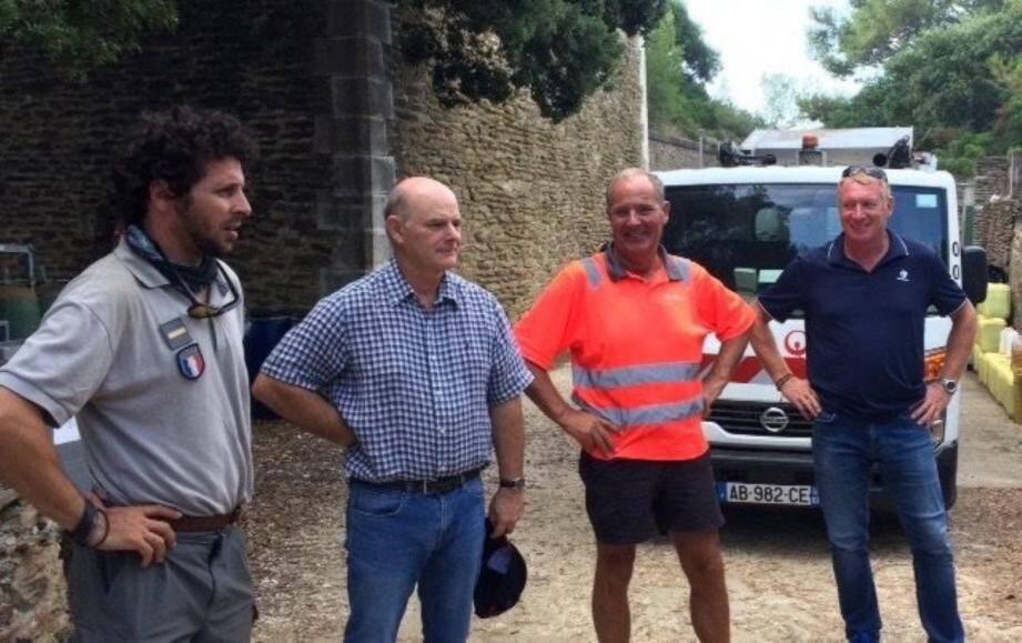 Yoann Ceriser (parc national), Alain Aurez (métropole), Daniel Cabaret (Veolia) et Jean-Louis Muscatelli (société M2JL).