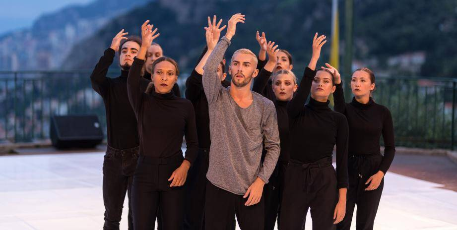 Les danseurs du « Millénium Dance Center » dimanche.(DR)