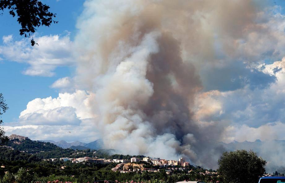 En juillet 2017 le feu était aux portes de la ville.