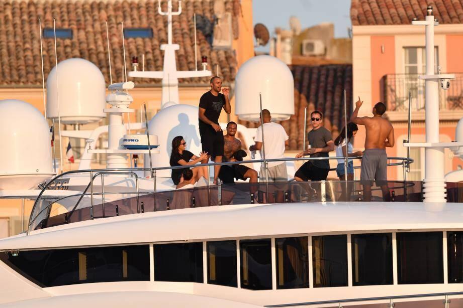 Fiesta sur un yacht, shopping aux Canebiers et séance selfie, les sorties de TP sont bien remplies sur le vieux port.
