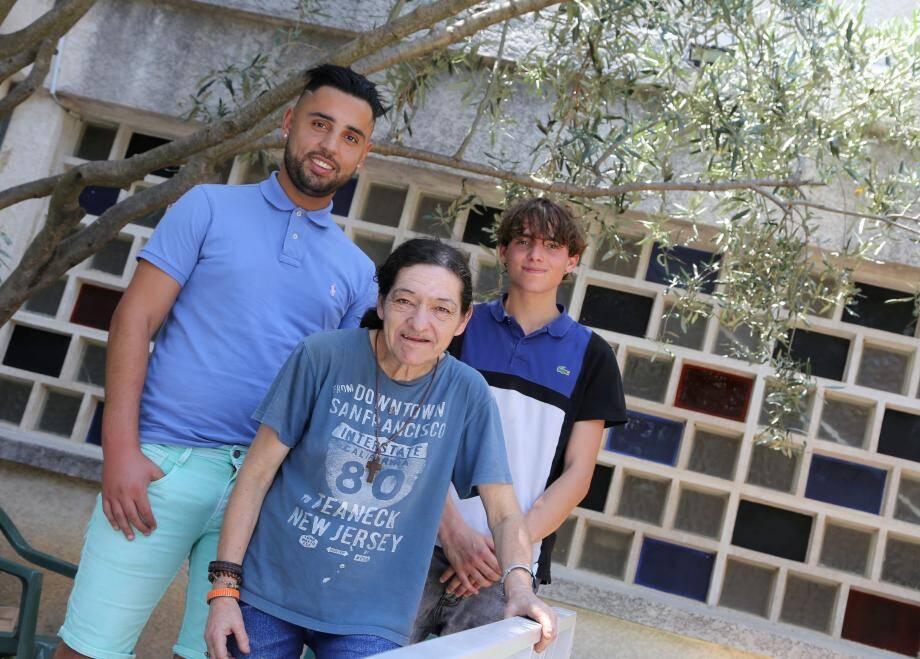 Nihed Bouslama, éducateur, Laurence Laure et Damien Maunier, résidents, seront du voyage.