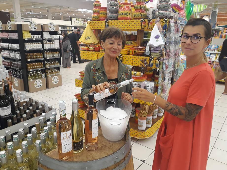 Danielle représente un domaine de vins à Pierrefeu. Présenté pour la première fois aux consommateurs de La Seyne !
